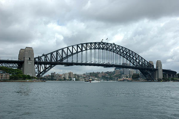 1932 – Harbour Bridge, Sydney, Australia