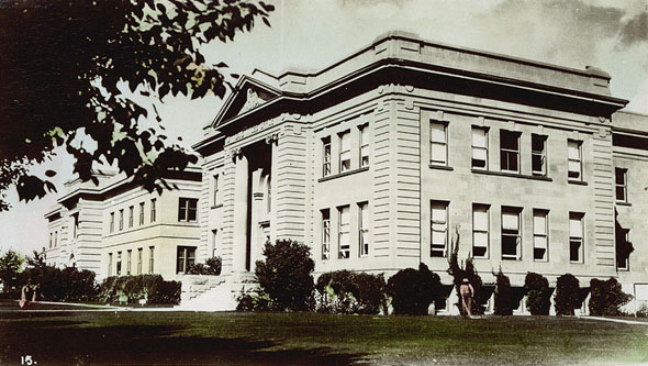 1907 – Land Titles Office, Calgary, Alberta