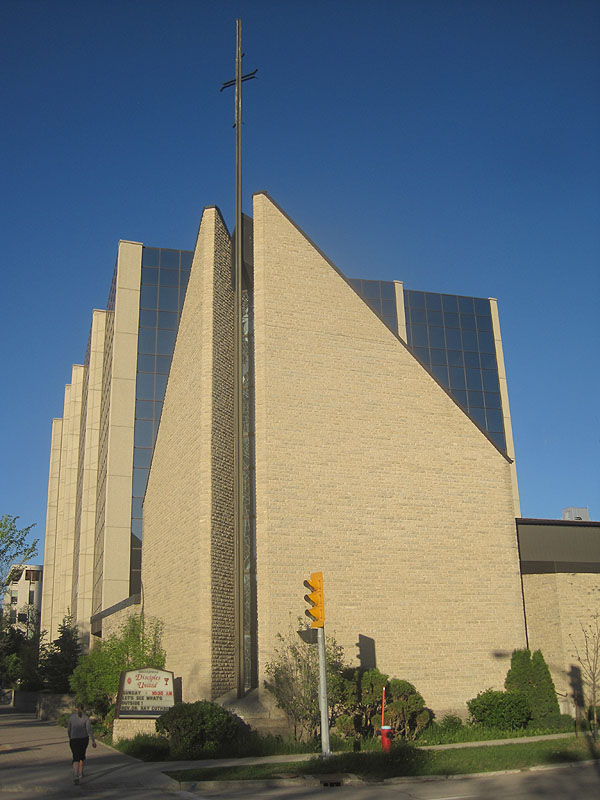 1970 – Broadway United Church, Broadway, Winnipeg