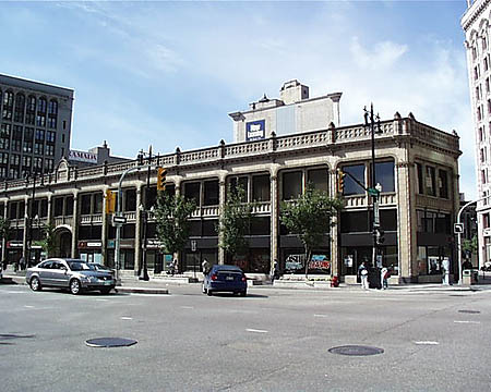 1915 – Curry Building, Winnipeg, Manitoba