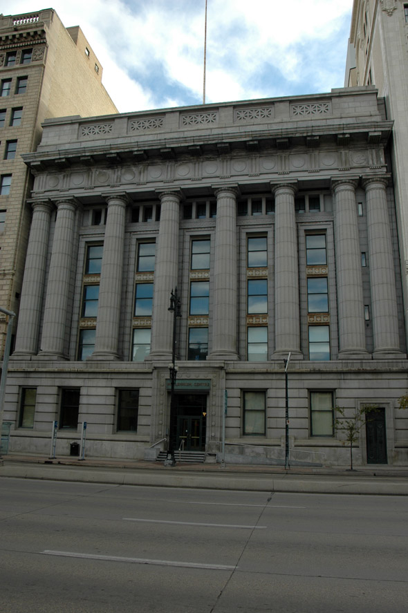 1910 &#8211; Former Bank of Commerce, Winnipeg, Manitoba