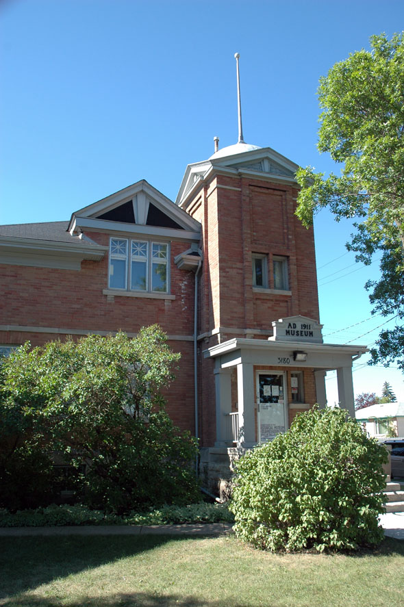 1911 – Former Assiniboia Town Hall, Winnipeg
