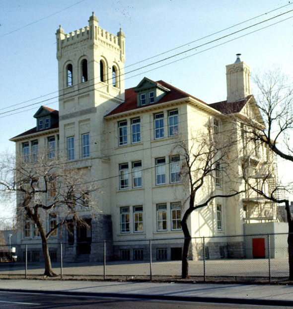 1901 &#8211; J.B. Somerset School, Winnipeg