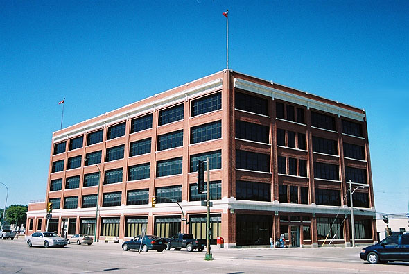 1915 – 1181 Portage Avenue (Robert Fletcher Building), Winnipeg, Manitoba
