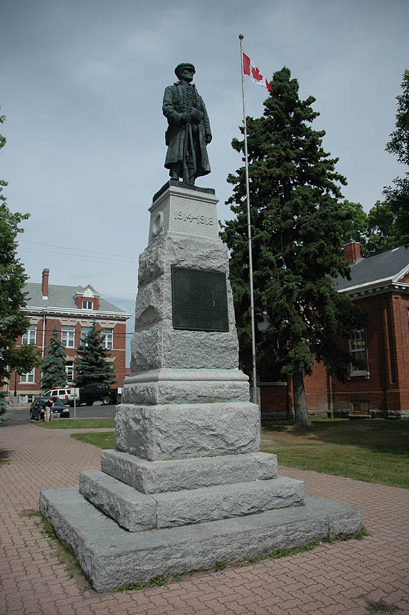 1924 &#8211; War Memorial, Kenora, Ontario