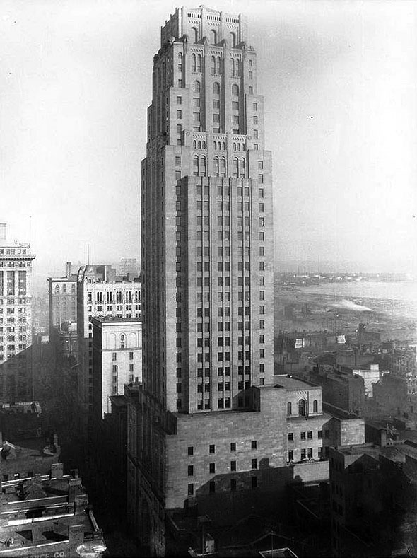 1931 – Canadian Bank of Commerce Tower, Toronto