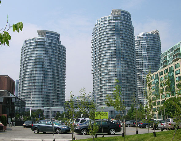 2005 – Waterclub Condominiums, Toronto, Ontario