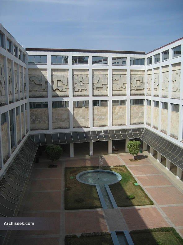 http://archiseek.com/wp-content/gallery/cuba/modernartmuseum7_lge.jpg