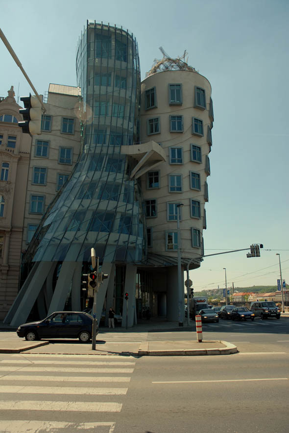 1996 &#8211; Dancing House, Prague, Czech Republic
