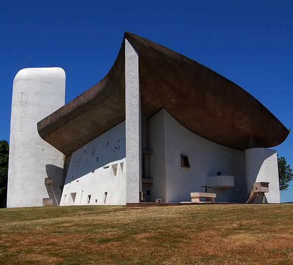 1954 &#8211; Chapelle Notre-Dame-du-Haut, Ronchamp, France