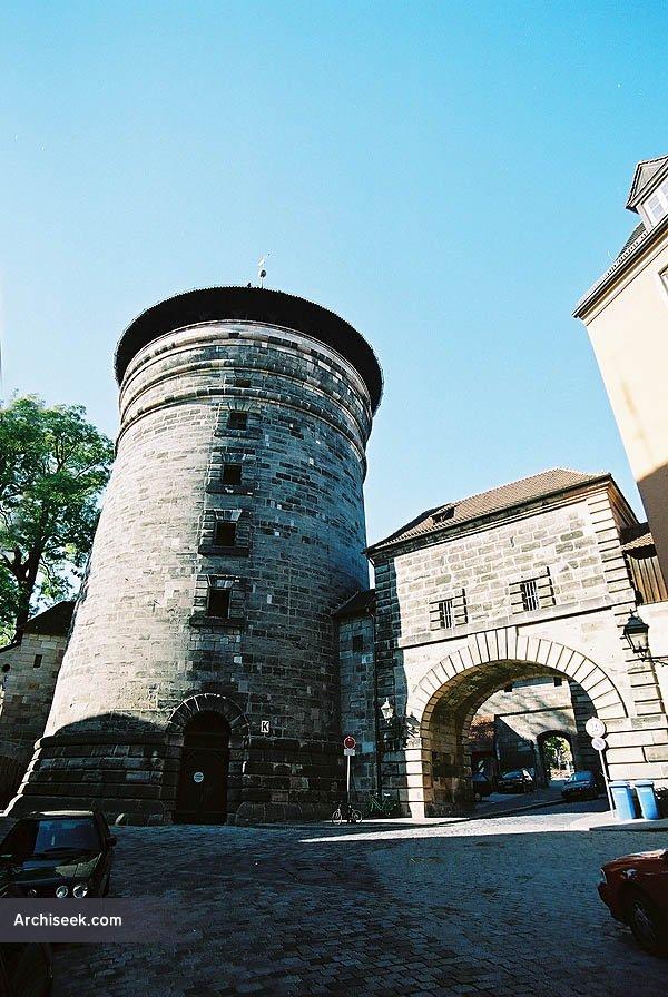 walls_gates_1_lge