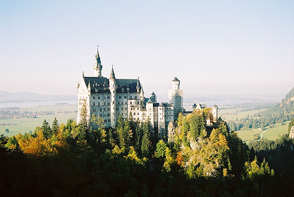 1886 – Schloss Neuschwanstein, Bavaria