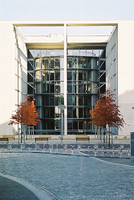 2001 – Paul-Löbe-Haus, Berlin