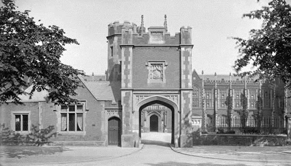 1907 – Hamilton Tower, Queen's University Belfast