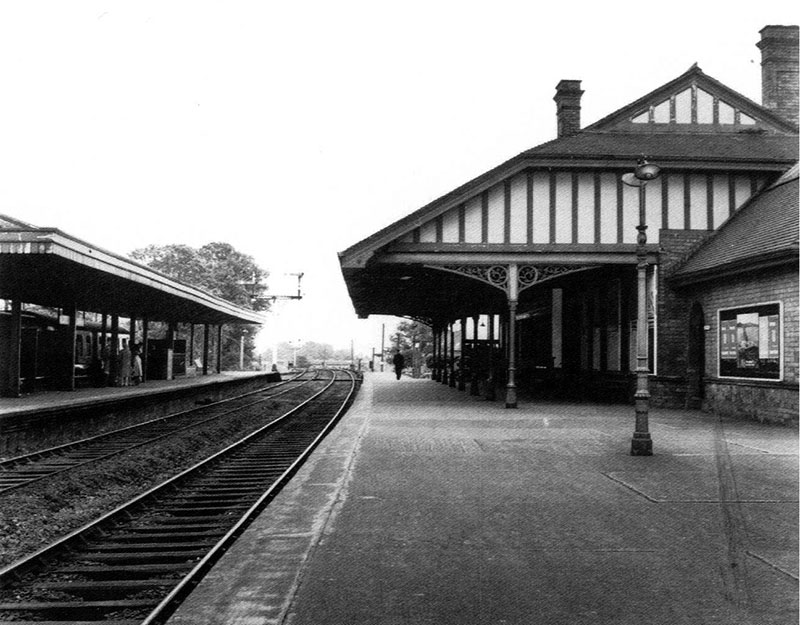 1895 – Railway Station, Carrickfergus, Co. Antrim