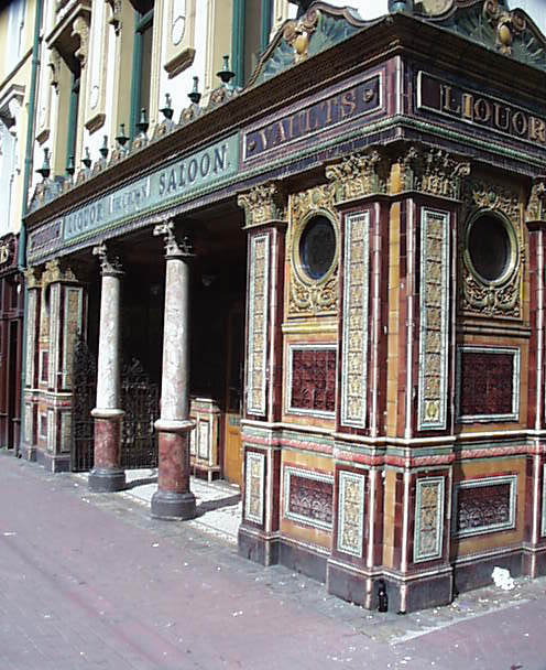 1898 &#8211; The Crown Liquor Saloon, Belfast