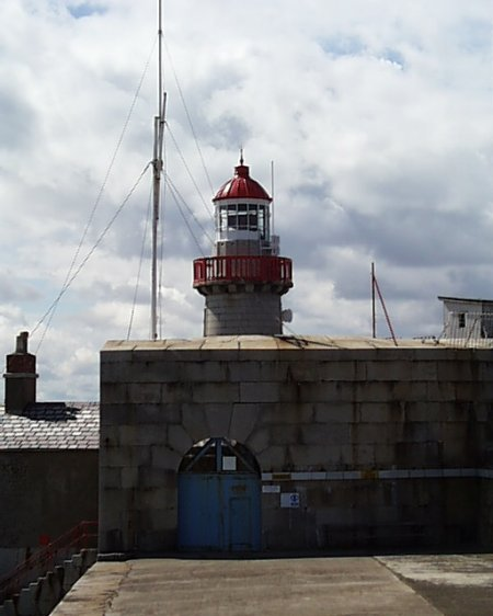 south_pier_lighthouse_lge