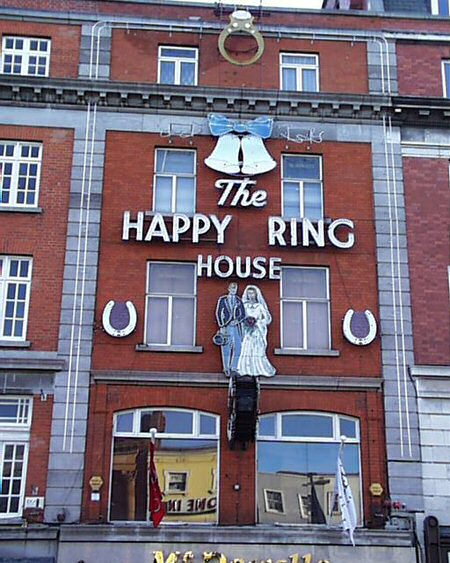 happyringhouse_lge