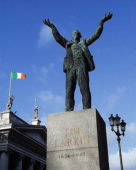 1980 &#8211; Jim Larkin Statue, O&#8217;Connell Street, Dublin