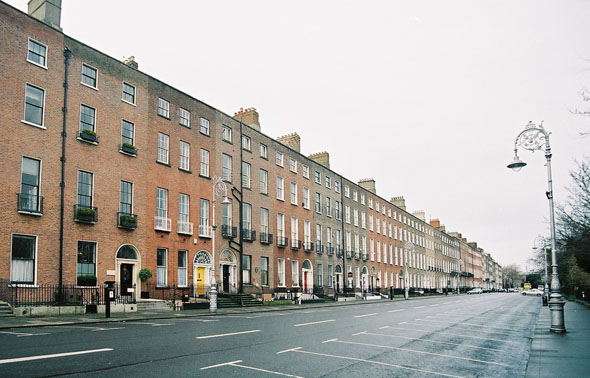 Irish Georgian Society believes Merrion Square tourism initiative undermined by bus parking