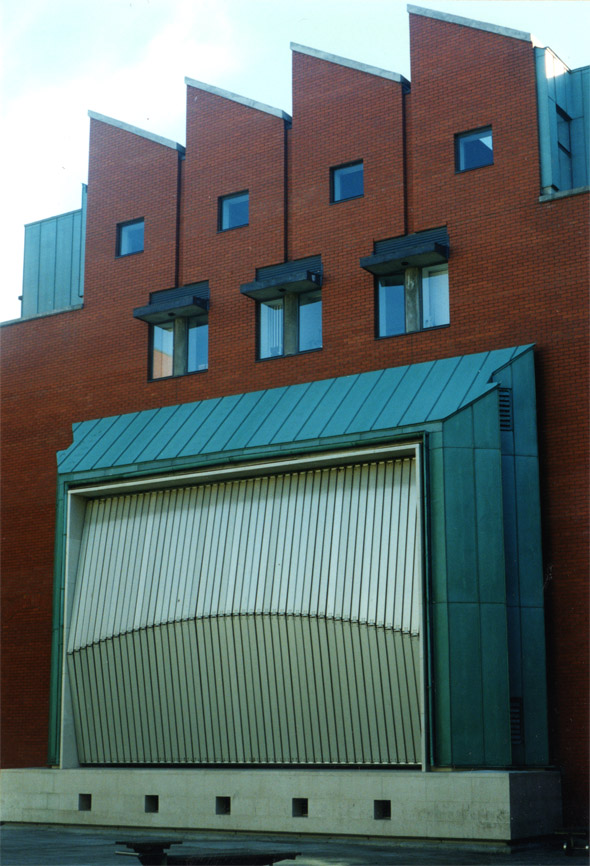 1995 – The Ark Children's Centre, Eustace Street, Dublin