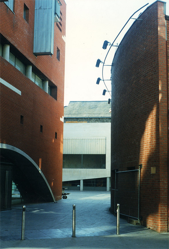 1996 &#8211; Meetinghouse Square, Dublin