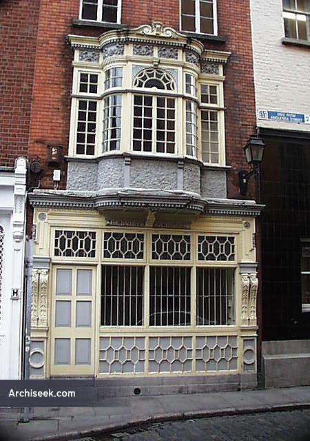 1898 – 10 Anglesea Street, Dublin