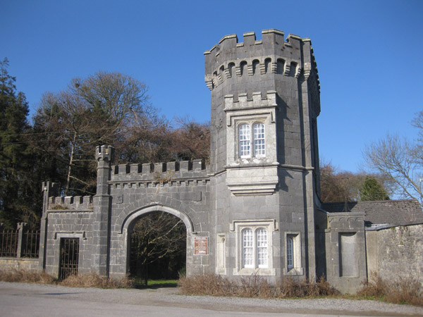 1845c – Gates of Shankill Castle, Paulstown, Co. Kilkenny