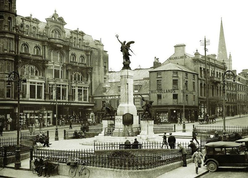 1927 – War Memorial, The Diamond, Derry