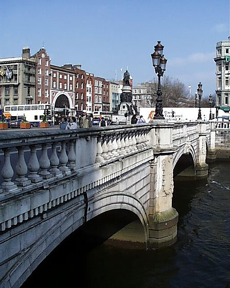 O'Connell Bridge undergoes structural repair