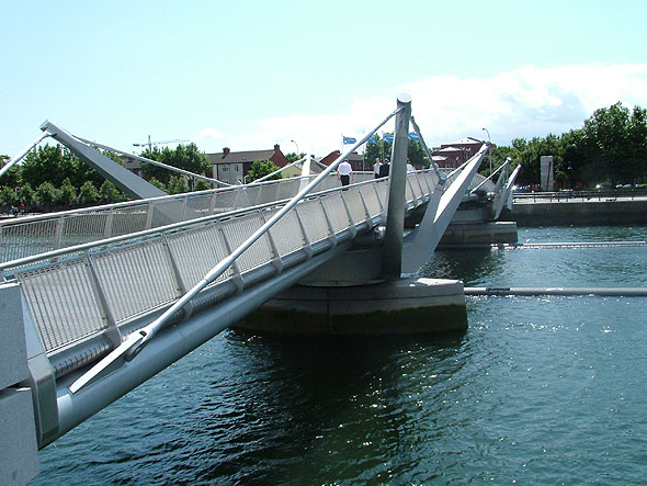 2005 – Sean O'Casey Bridge, Dublin