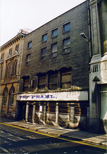 1960s – The Pearl Bar, Fleet St., Dublin