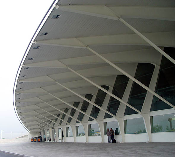 2000 – Airport, Bilbao, Spain