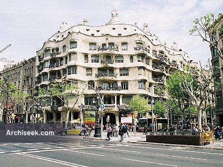 1910 – Casa Milà, Barcelona