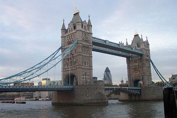 1894 – Tower Bridge, London