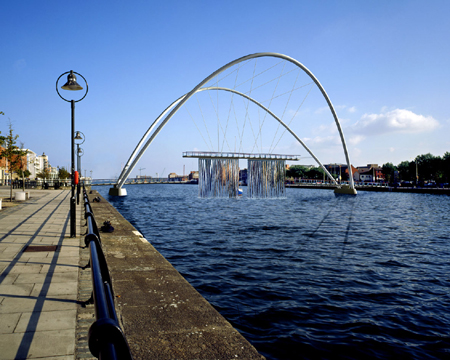 2002 &#8211; Unbuilt Dublin &#8211; DDDA Pedestrian Bridge