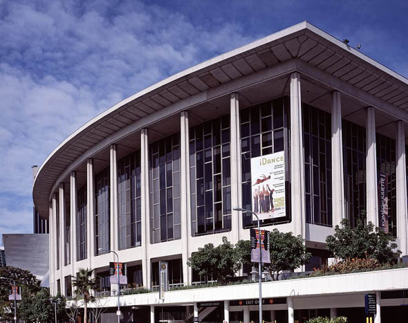 1964 – Dorothy Chandler Pavilion, Los Angeles, California