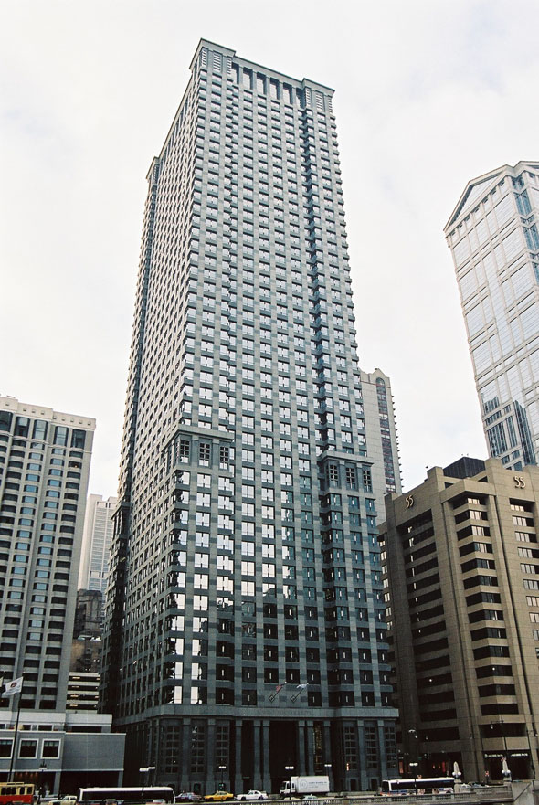 1989 – Leo Burnett Building, Chicago, Illinois