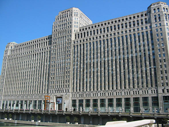 1930 – Merchandise Mart, Chicago, Illinois