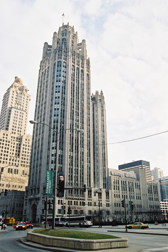 1925 – Chicago Tribune Tower, Chicago, Illinois