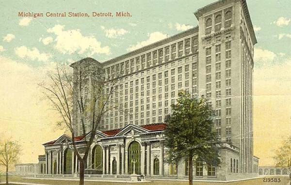 1913 – Michigan Central Station, Detroit, Michigan