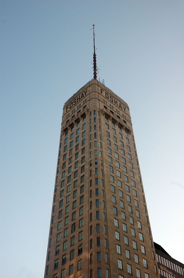 1929 – Foshay Tower, Minneapolis, Minnesota