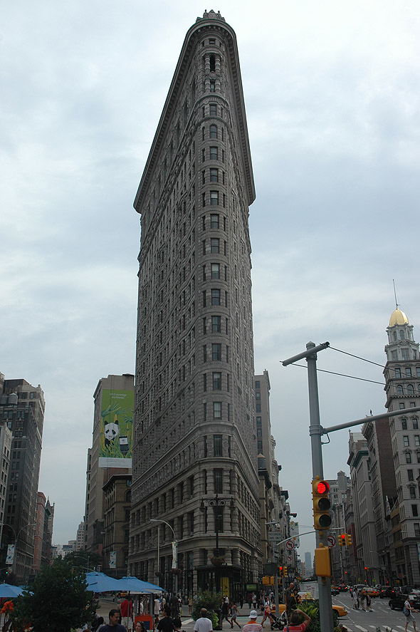 1902 – Flatiron Building, New York