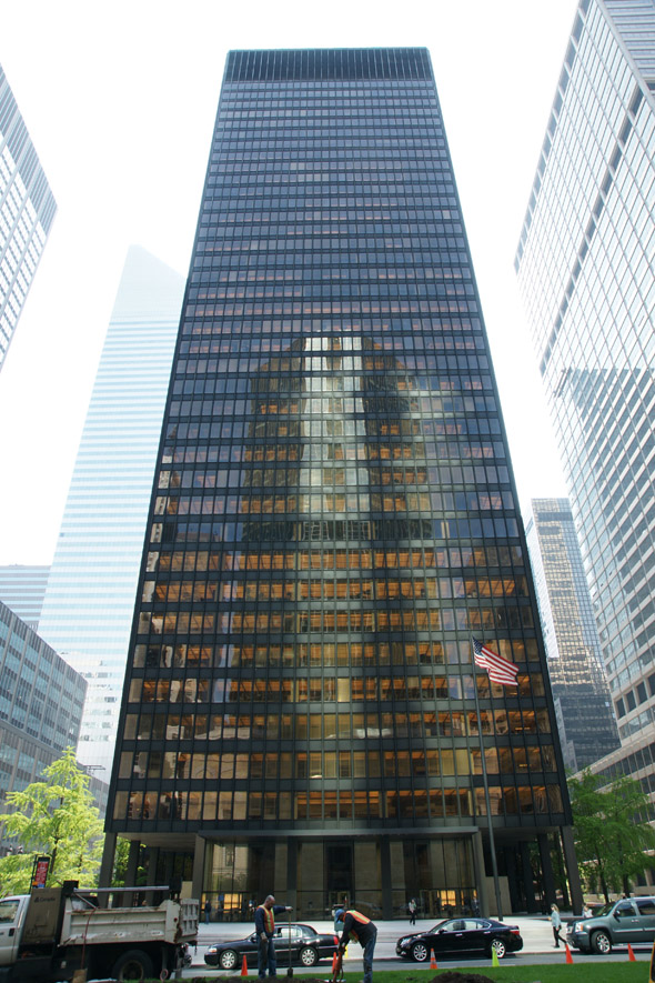 1957 &#8211; Seagram Building, New York